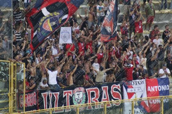 Bologna-Crotone-Serie-A-2016-17-10