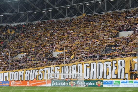 Dynamo-Dresda-Hansa-Rostock-3-Bundesliga-2015-16-11