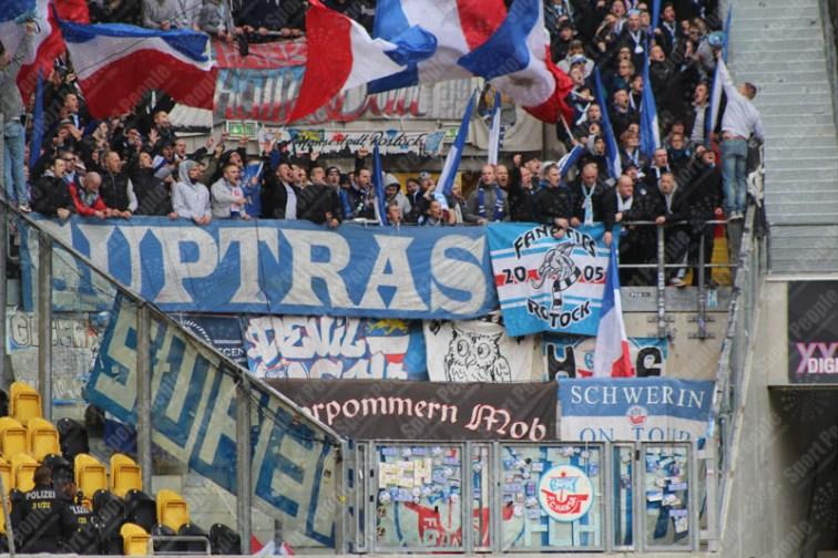Dynamo-Dresda-Hansa-Rostock-3-Bundesliga-2015-16-23