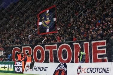 Crotone-Juventus-Serie-A-2016-17-04