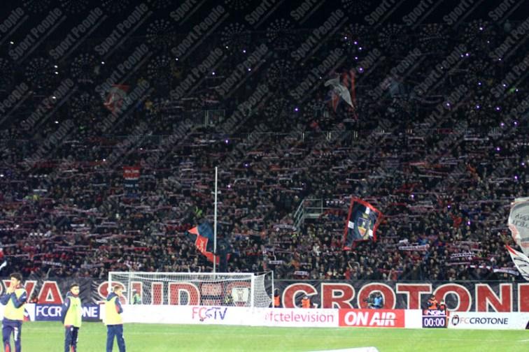 Crotone-Juventus-Serie-A-2016-17-09