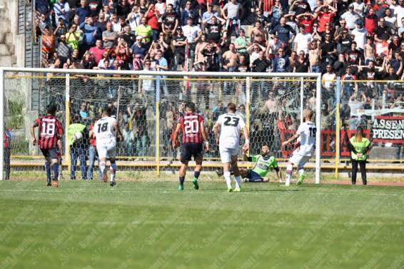 Casertana-Foggia-Lega-Pro-2016-17-10