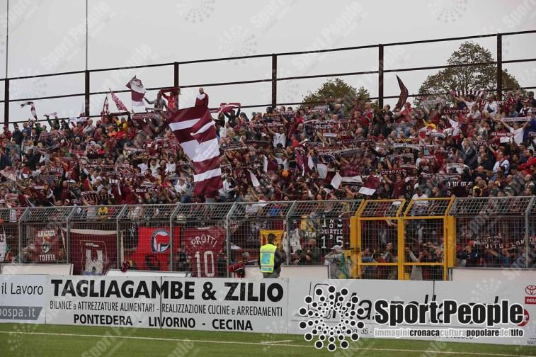 Pontedera-Livorno-Serie-C-2017-18-04