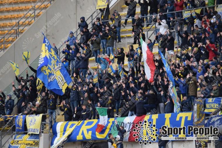 Bari-Frosinone-Serie-B-2017-18-11