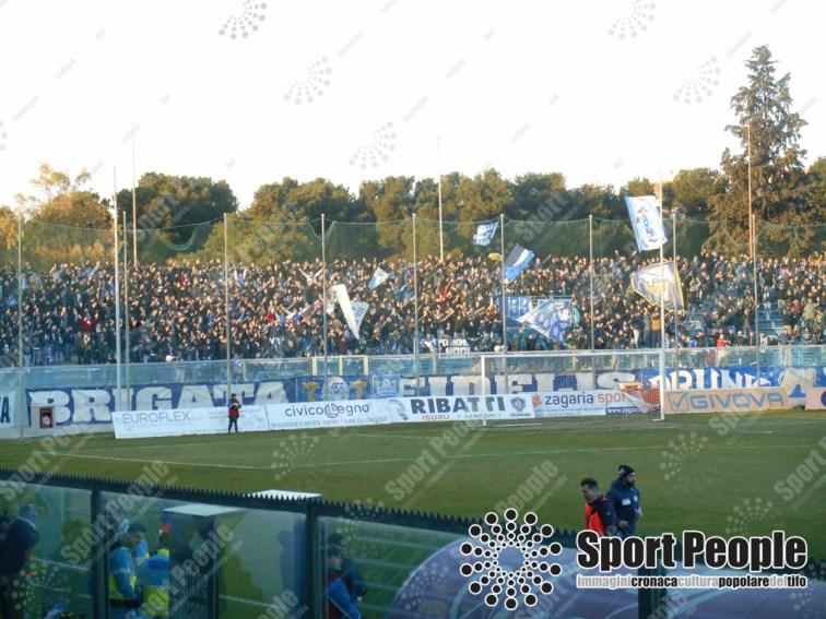 Fidelis-Andria-Catania-Serie-C-2017-18-07