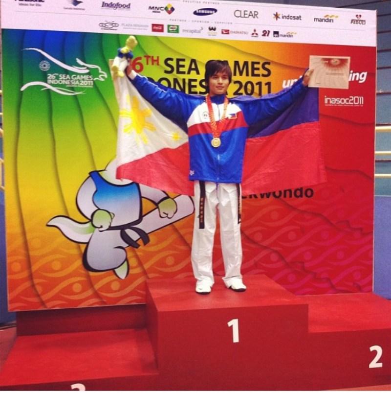 Japoy Lizardo winning gold at the 2011 SEA Games (Photo via Rappler.com)