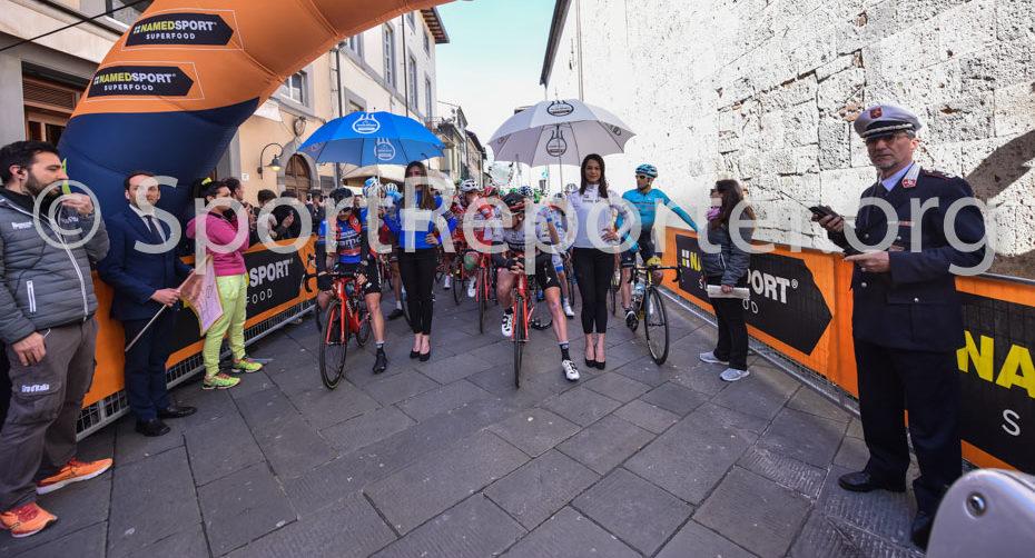 Partenza da Camaiore Tirreno Adriatico 2017