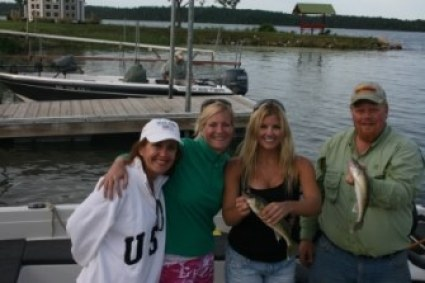 girls-gone-walleye-2009