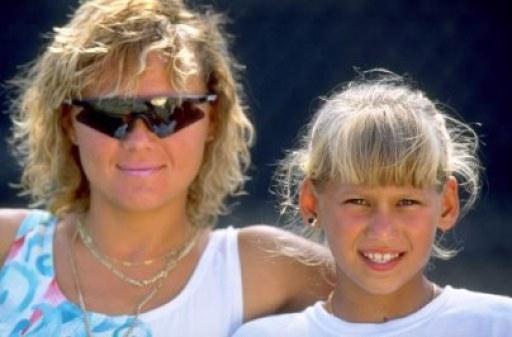 _anna-with-mom-alla