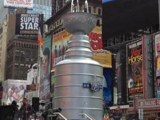 stanley-cup-times-square