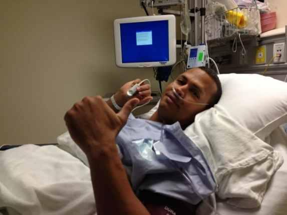 alex-rodriguez-surgery-thumbs-up