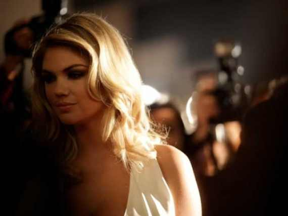 kate-upton-mercedes-super-bowl-ad.png