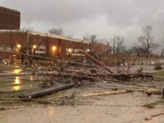 hattiesburg-tornado-brett-favre