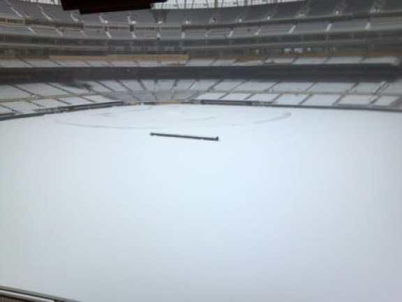 minnesota-twins-target-field-snow