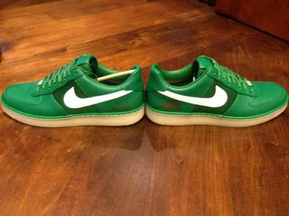 tiger-woods-custom-nike-masters-shoes-2