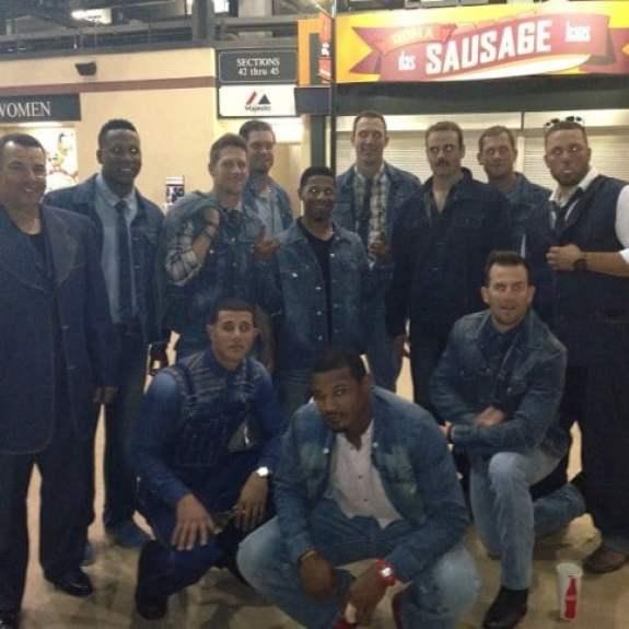 baltimore-orioles-canadian-tuxedos-team