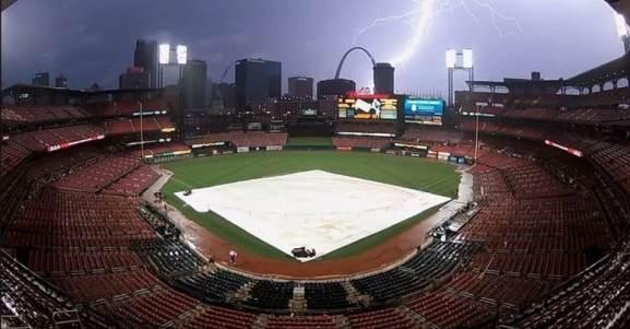st-louis-cardinals-gateway-arch-lightning-strike
