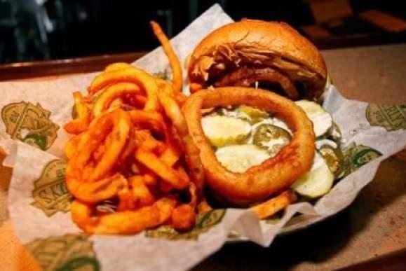 aaron-rodgers-burger