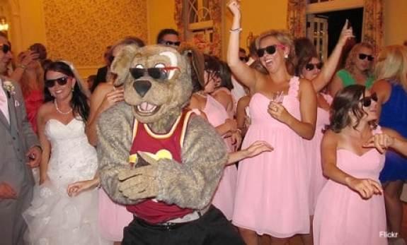 cleveland-cavaliers-moondog-wedding-5