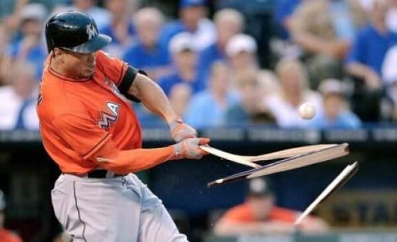 giancarlo-stanton-broken-bat