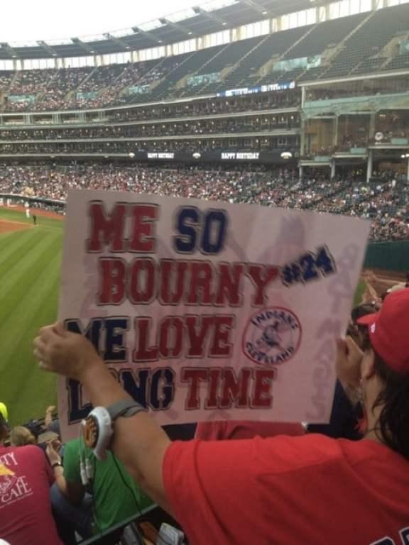indians-fan-sign-michael-bourn