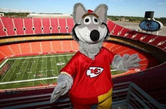 kc-wolf-kansas-city-chiefs-mascot