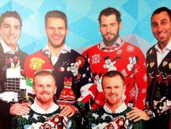 Ugly Christmas Family Pictures.Vancouver Canucks Rock Ugly Christmas Sweaters In Family