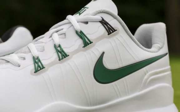 tiger-woods-masters-shoes-3
