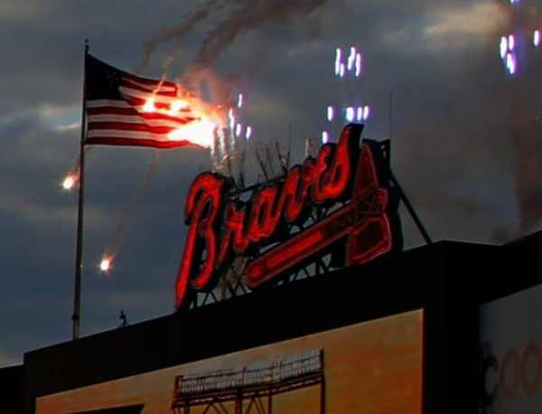 atlanta-braves-us-flag-fire