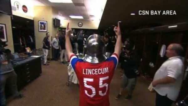 tim-lincecum-knight-helmet