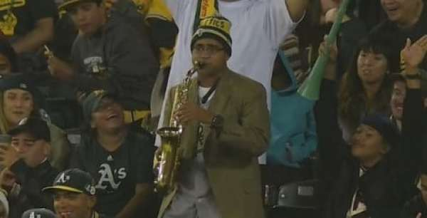 athletics-fan-sax