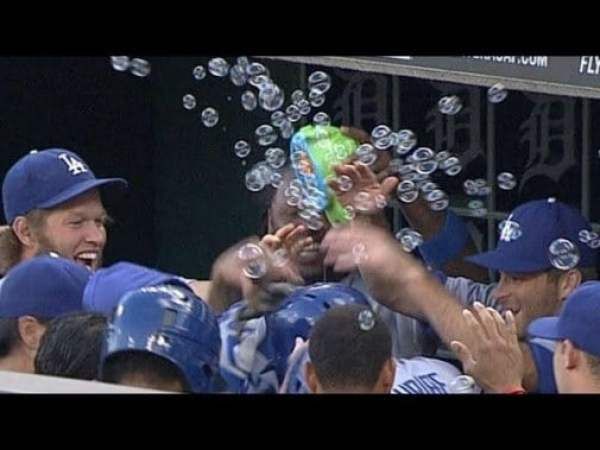 dodgers-bubbles