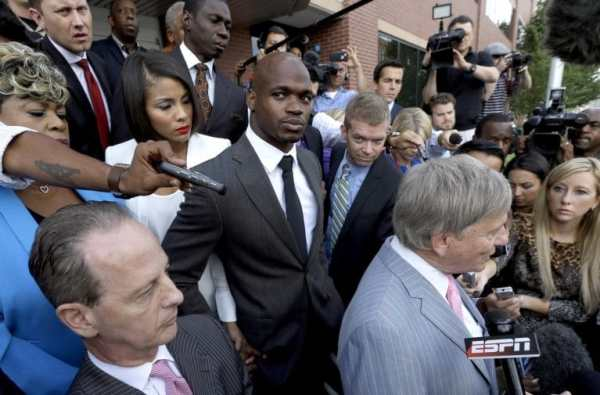 adrian-peterson-courthouse