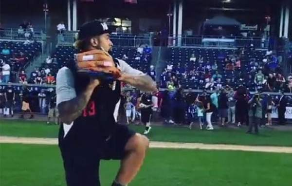 odell-beckham-jr-softball