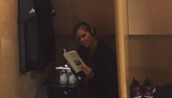 amy-schumer-lebron-james-locker