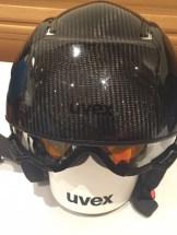 Uvex-Carbon-Skihelm-Visir-Garage-Skibrille-eingeklappt