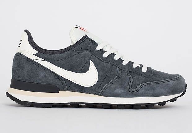 nike-internationalist-pgs-ltr-anthracite-2