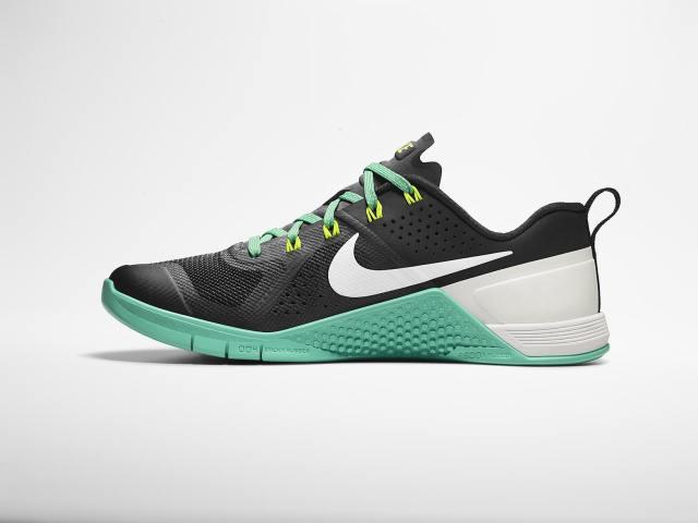 15-370_Nike_SU15_WT_Met_Con_Medial_Profile_native_1600