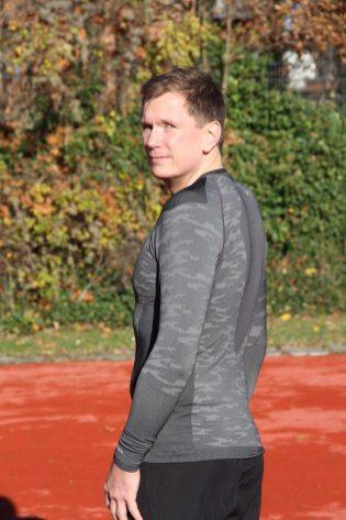 odlo-herren-bekleidung-running-warm-schwarz-weiss-1