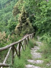 downhill-treppen-positano-trails-trailrunning-Pfad-der-Goetter