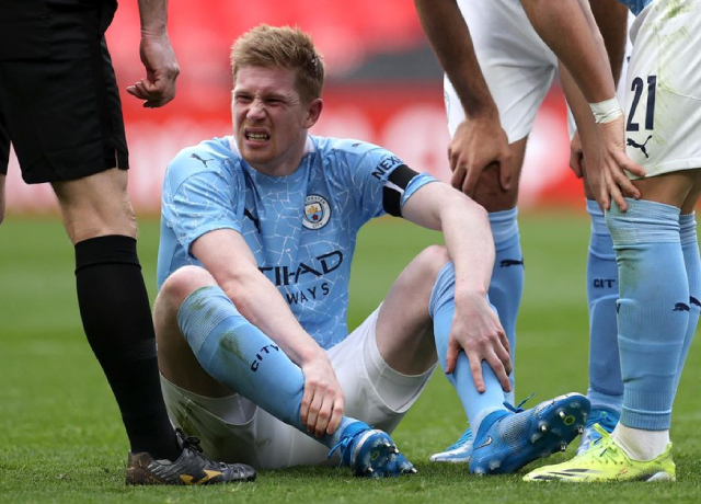 Kevin De Bruyne suffers an ankle injury