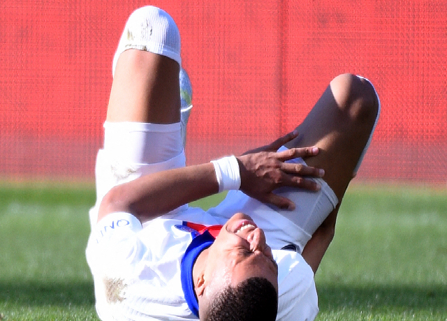 Mbappe suffers calf injury, likely to miss UCL semi final