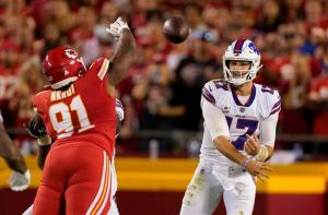 Bills take over for Chiefs as AFC top team