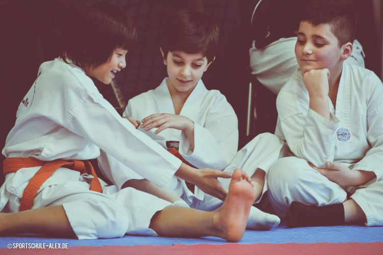 www.sportschule-alex.de