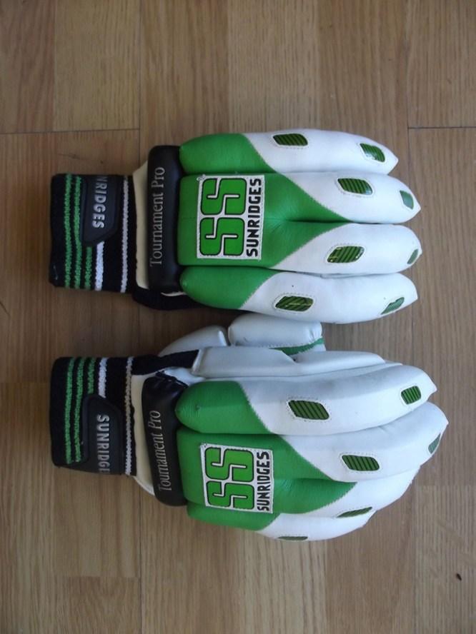 ss tournament pro batting gloves 288