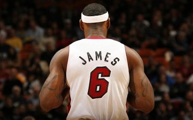 LeBron-James4 King of NBA LeBron James HD Wallpapers
