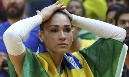 Brazilian Volleyball Star Jaqueline Faints During Live Court Side Interview