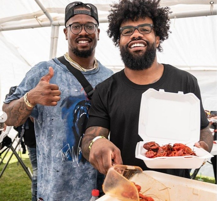 Ezekiel Elliott Gets a Heavy Roasting After Posting Picture Eating Crawfish