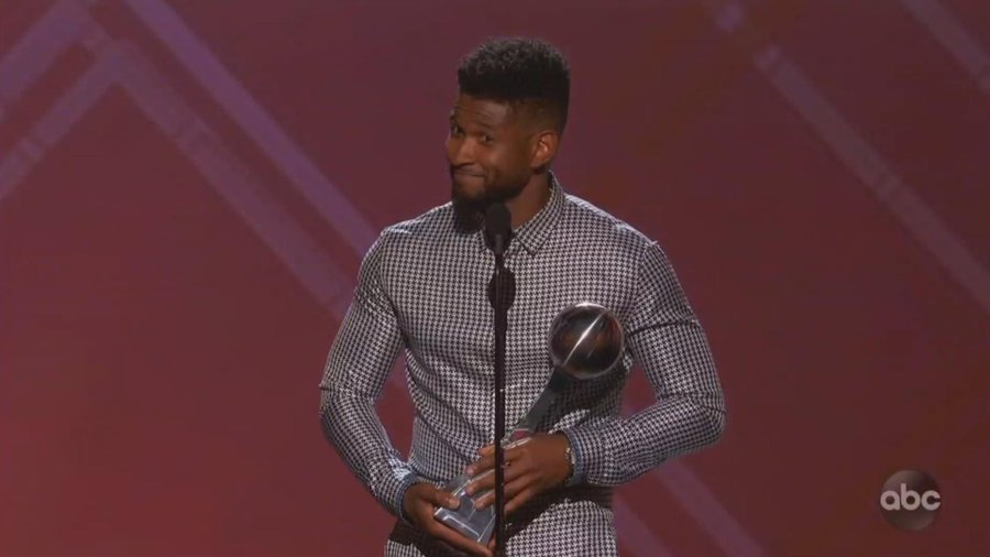 Usher Puts His Foot in His Mouth at ESPYs