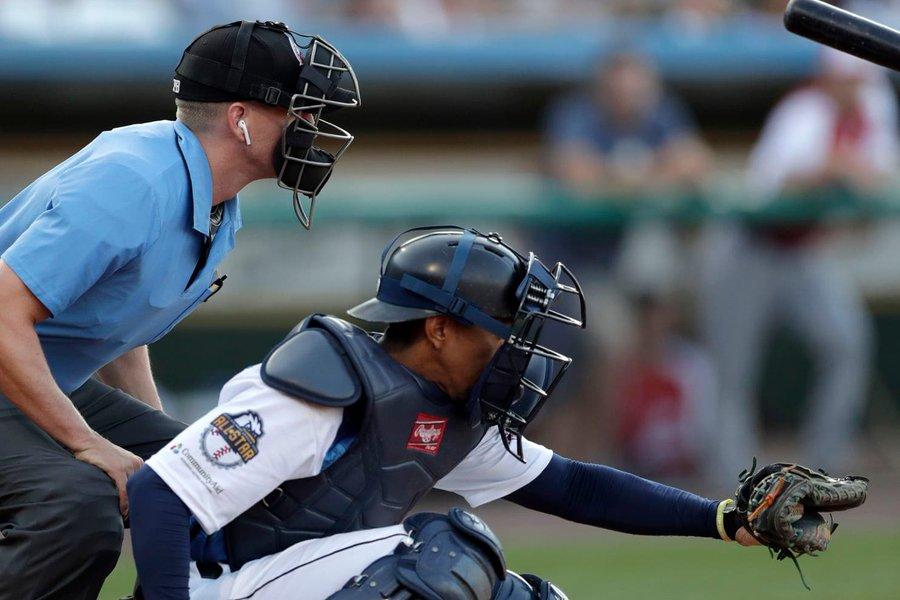 New Baseball 'Umpires' Make History in League